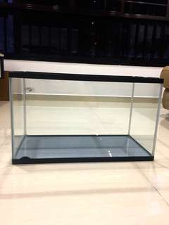 Acrylic fish tank. Very good and clean condition. Measurement  LxBxH 61x29x36