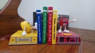M&M's公仔造型書檔時鐘收音機