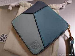 【100% 真品 & 95% NEW】  Loewe Wallet  真皮粉藍色拼皮拉鏈銀包 (不交換,不議價)