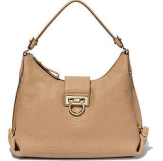 🚚 Salvatore Ferragamo Medium Fanisa Leather Hobo Bag (全新)