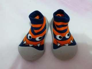 🚚 韓國BigToes幼兒襪型學步鞋L Size