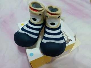 🚚 韓國BigToes幼兒襪型學步鞋XL size