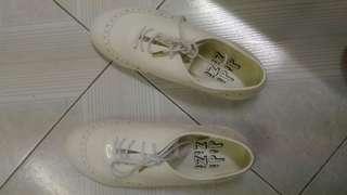 全新 didizizi 漆皮鞋 (原價過千)