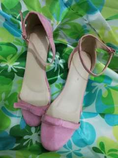 FREE SHIPPING;HUE Size 8,good as new;