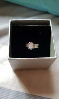 Imono ring with mother pearl