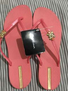 BRAND NEW ORIGINAL IPANEMA SLIPPER for SALE..
