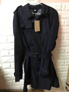 全新 Men Classic Burberry Jacket 深籃色男裝 乾濕䄛 (Size M)