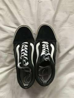 Size 7.5 Vans Old Skool Platform REDUCED