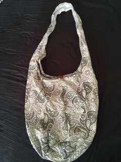 Sling bag paisley printed