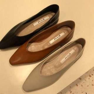 正韓修飾版型尖頭包鞋