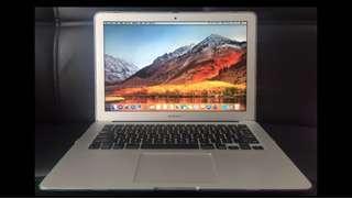 MacBook Air 13-inch mid 2011年4GB內存 SSD 128GB ,香港行貨,功能完好,自用機,保養好,95%新,有火牛,送電腦袋。MacBook Air 13-inch mid 2011 4GB RAM  SSD 128GB,Hong Kong licensed, well-functioning, self-use machine, maintenance is good, 95% new。