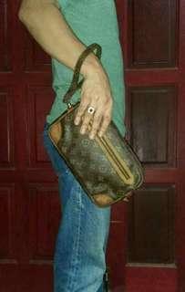 AUTHENTIC LV CLUTCH BAG