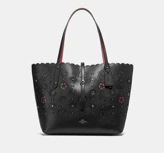 MARKET TOTE WITH CUT OUT TEA ROSE