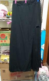 黑色長裙側邊開叉透膚