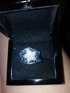 18K 白金藍、白碎鑽介指