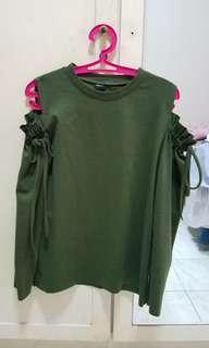 Green long sleeves magnolia
