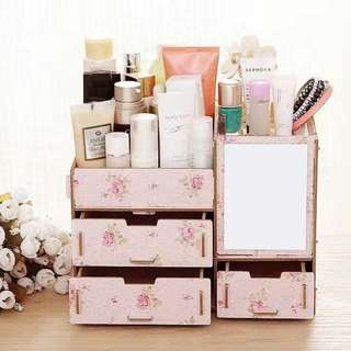 DIY Make Up Organizer (with design)