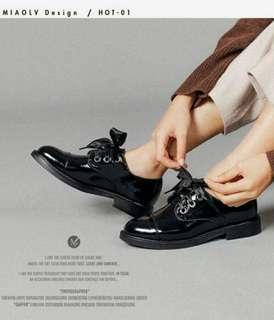 🚚 韓版學院風英倫漆皮緞帶小皮鞋