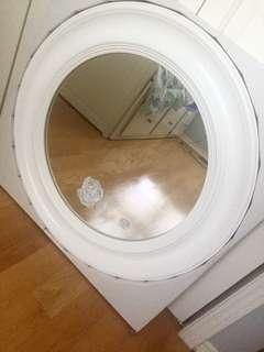 SIMPLE WHITE CIRCLE MIRROR