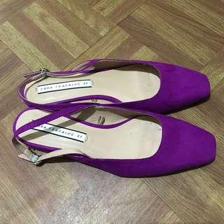 Low-heel slingback shoes