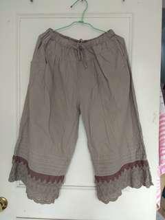 含運 日系 兩色 拼接雕花內搭褲 腰鬆緊寬褲 森林系 森女