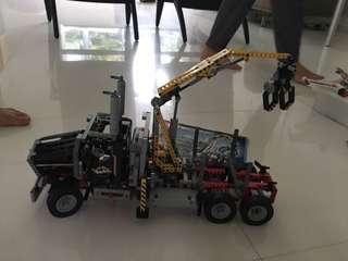 LEGO technic truck