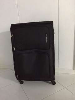 3O inches expandable luggage Roth TSK lovkabs 1 year wsrranty