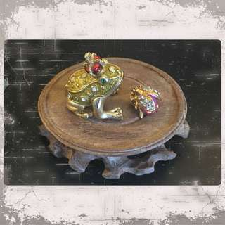 Vintage Jewelry Box And Brooch Pin