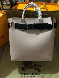 Burberry beltbag authentic