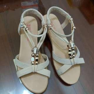 米白夏至款涼鞋  🔺有增高3cm