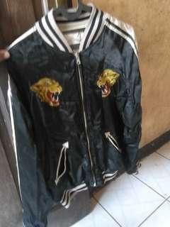 Sukajan souvenir bomber jacket