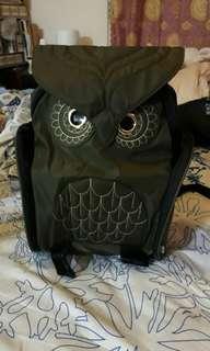 🚚 貓頭鷹背包