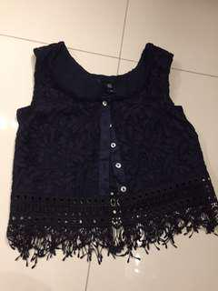 GG<5 crop TOP (brand new without tag)