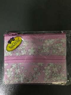 Naraya Tissue Holder