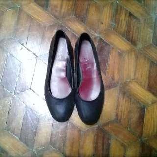 Easy Soft Black Shoes