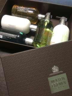 Molton Brown London Toiletries Gift Set