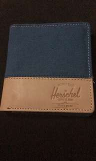 NWOT Herschel Supply Kenny Wallet