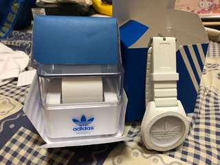 Adidas 白面錶