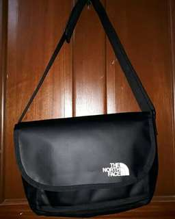 The NORTH FACE Base Camp Messenger Bag