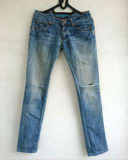 Celana Ripped Jeans Import Club 9
