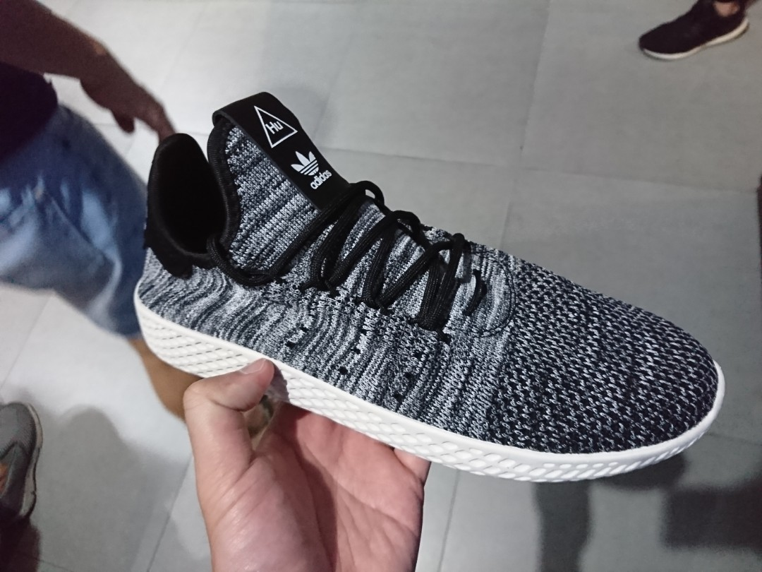 6b53f384df1cb Adidas Pharrell Williams Tennis PK Hu oreo
