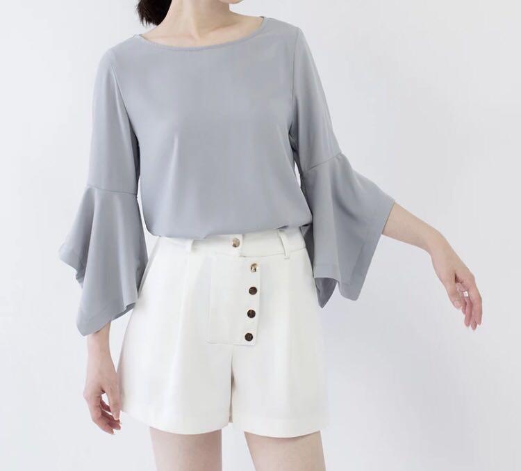 72a3e8a414ca7 Grey ruffle sleeves blouse
