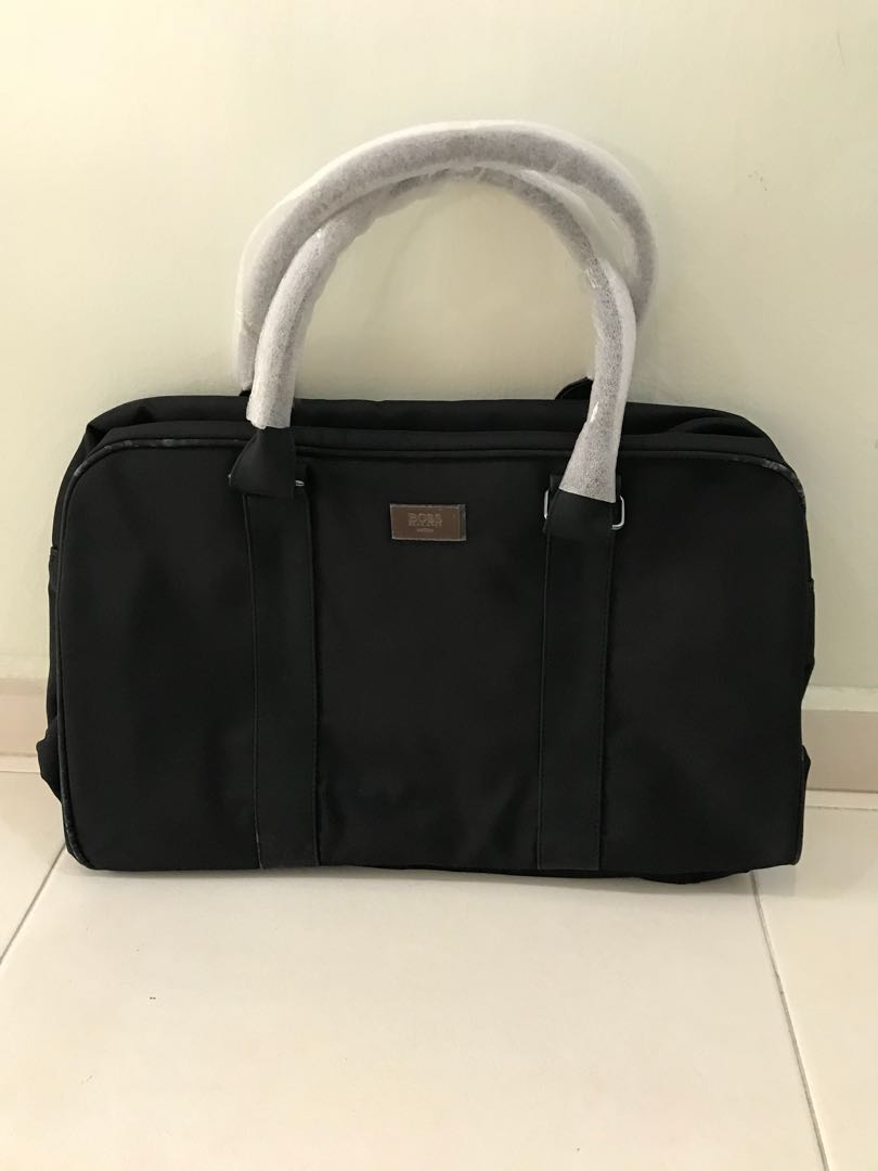 1087a3e2452 Hugo Boss Bag, Luxury, Bags & Wallets, Others on Carousell