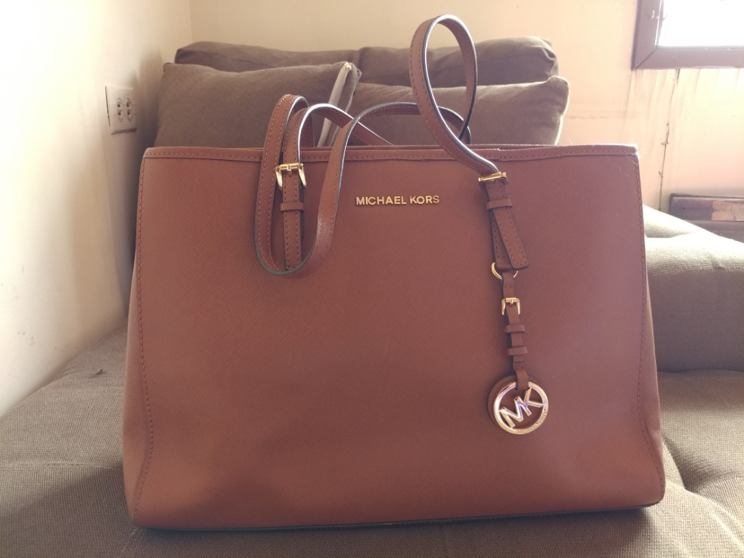 5f8d1785dc8 Michael Kors Bag ( MK Jet set travel large saffiano leather), Luxury ...