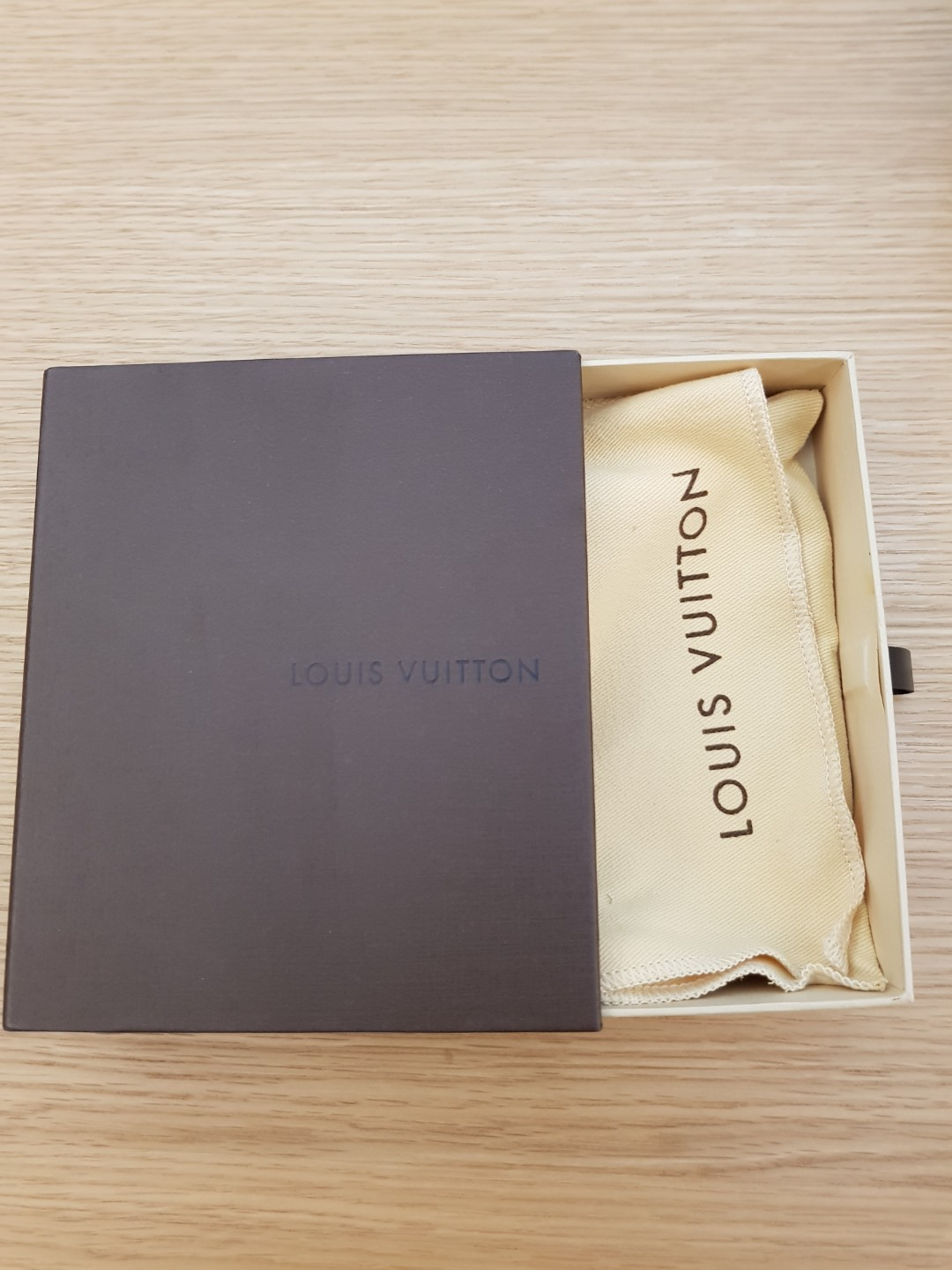 0b5bd4cfddcd Original Louis Vuitton gift display box with dust bag for wallet ...