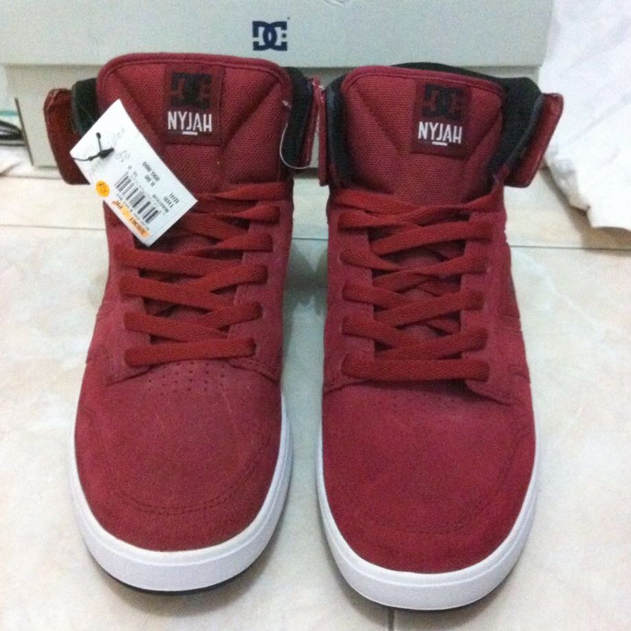 Sepatu DC NYJAH HIGH RED No 43 1f01bb3207