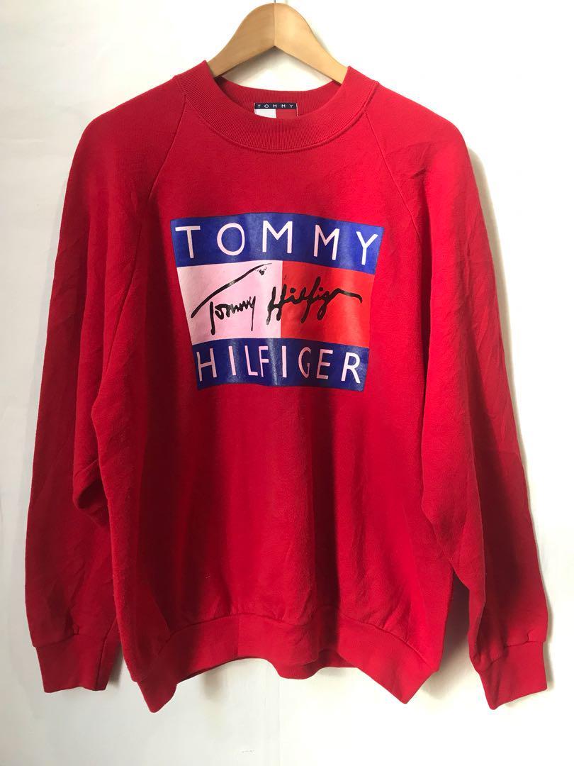 Vintage TOMMY sweatshirt in Red