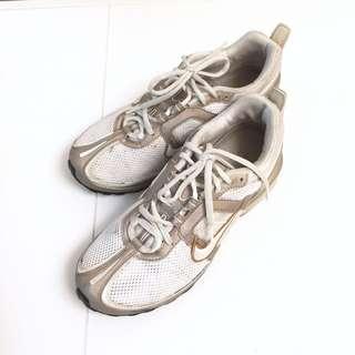 🚚 Nike 女慢跑鞋