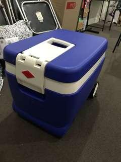 Willow 55L Wheelie Cooler Box