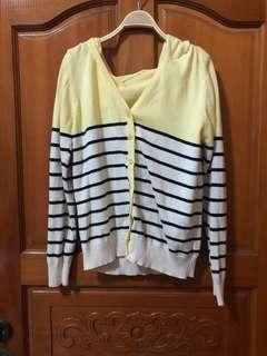 🚚 鵝黃 橫條針織外套